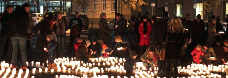 Abortų aukoms atminti sužibs tūkstančiai žvakučių