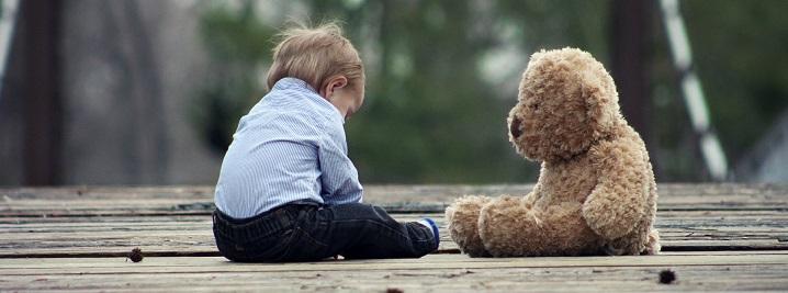 Kas svarbiau – biurokratija ar vaiko teisė augti šeimoje?
