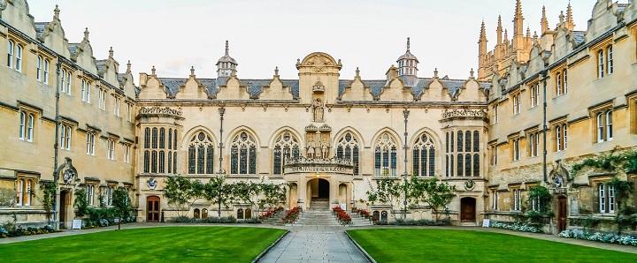 Oksfordo universiteto Studentų atstovybė apmokės studentų keliones į referendumą dėl abortų