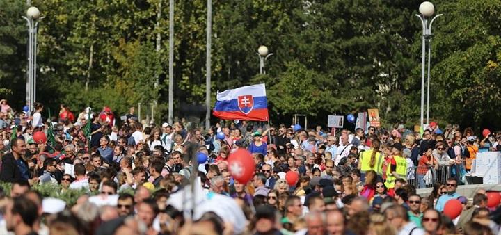 50 tūkst. slovakų reikalavo nutraukti abortus