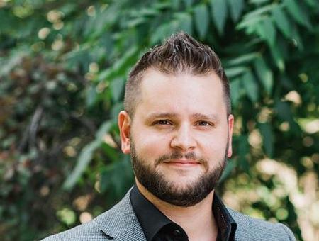 Jonathon von Maren. Siekiama kriminalizuoti net privačius pokalbius prieš LGBT ideologiją